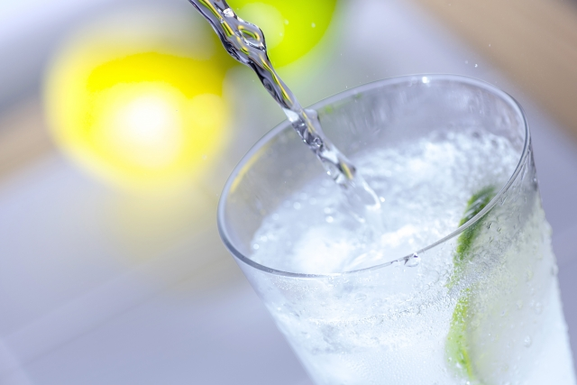 soda-pour